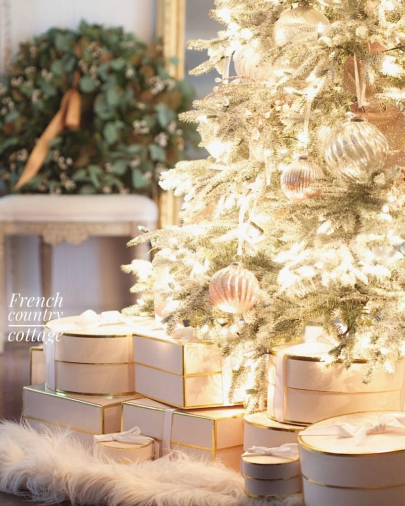 Blush and frosted Christmas tree