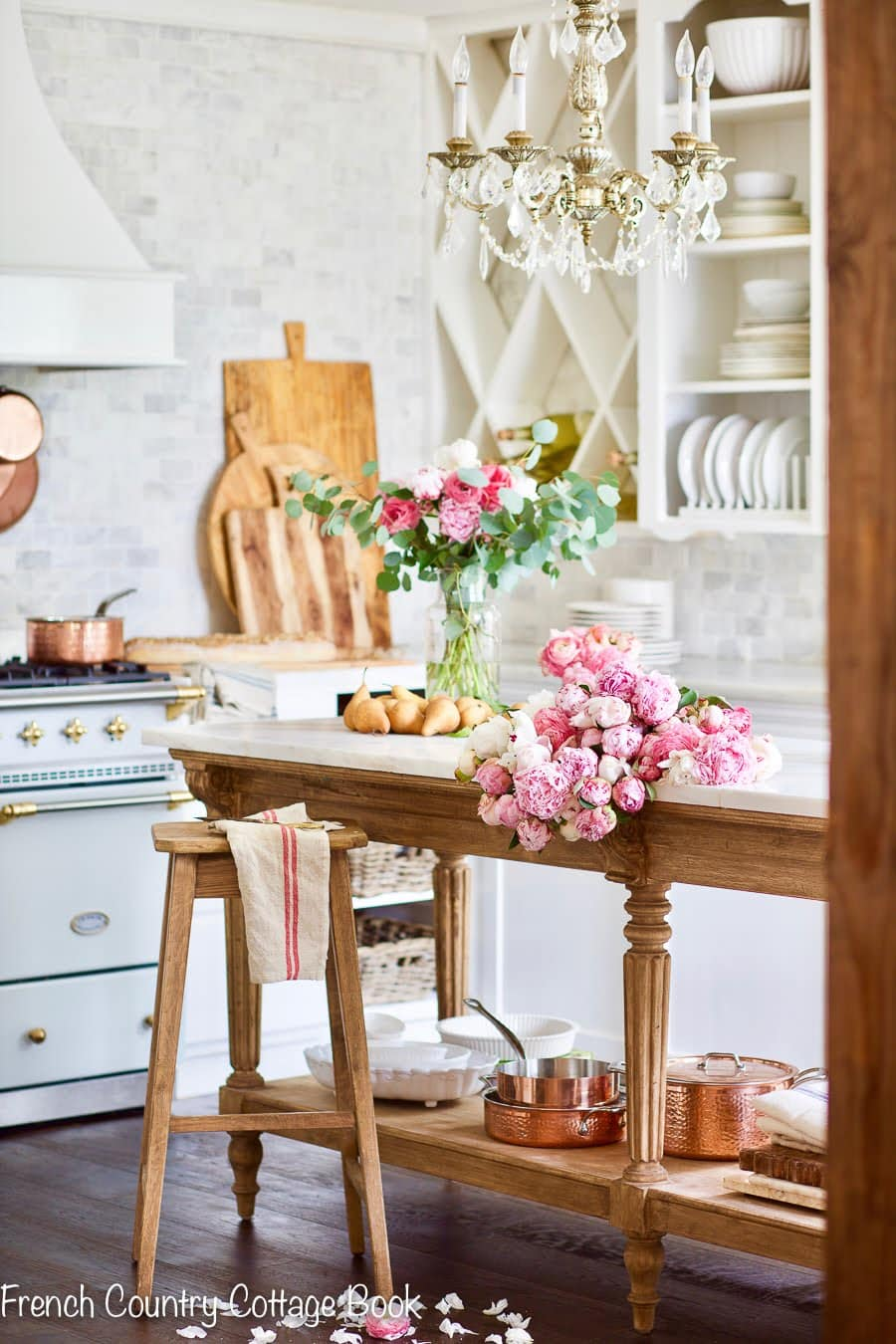 French Country Cottage Kitchen decor ideas vintage