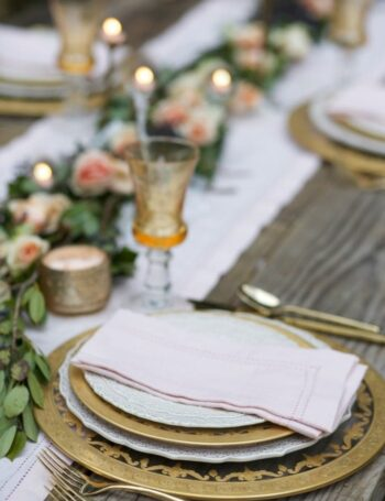 Blush napkins and gold dishes