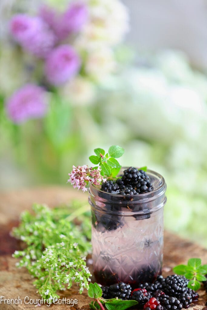 Blackberry lemonade with oregano
