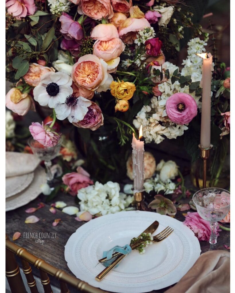 Tablesetting with flowers and ambiance
